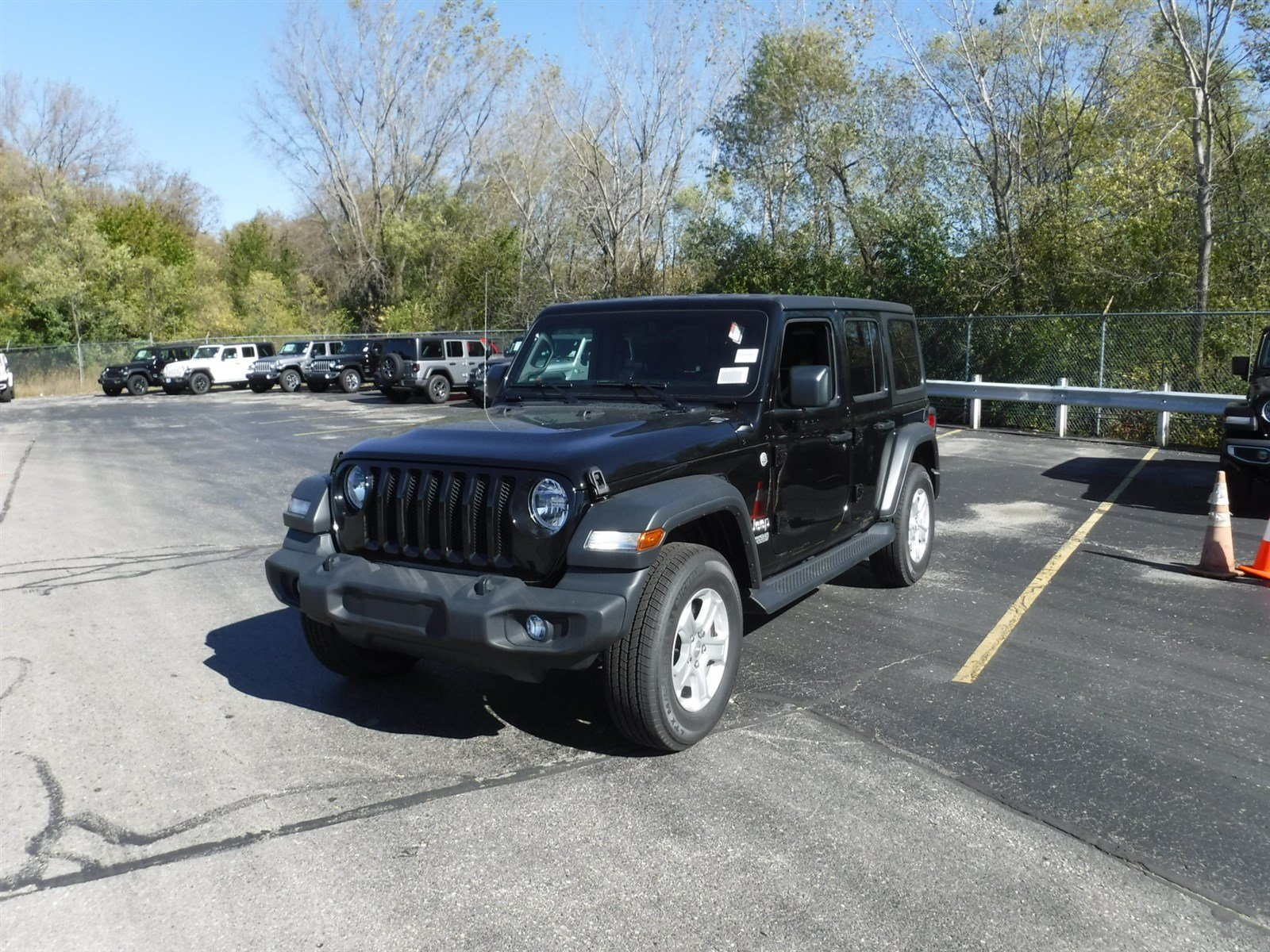 New 2018 Jeep Wrangler Unlimited Sport S SUV in