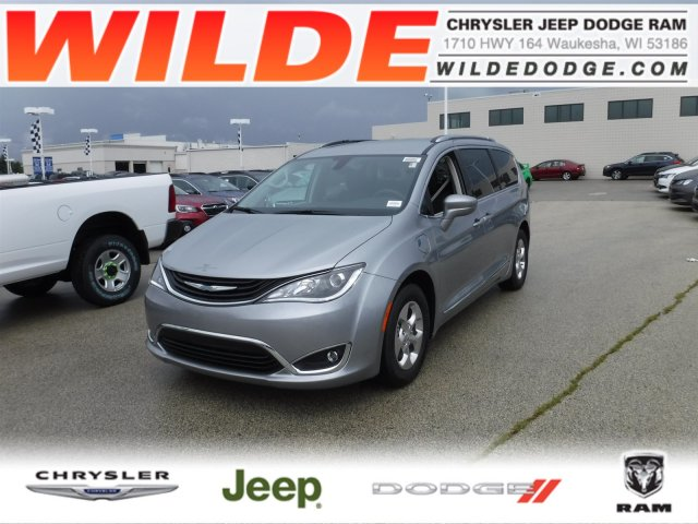 New 2018 Chrysler Pacifica Hybrid Touring L